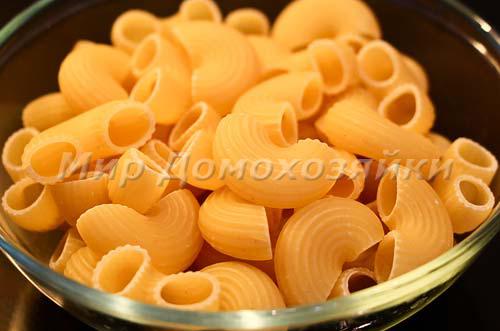 Макароны для пасты с томатным соусом