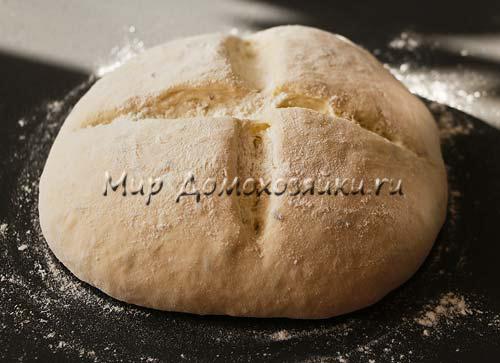Сделать надрезы на хлебе