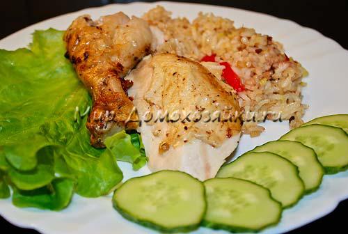 Курица фаршированная рисом готова!