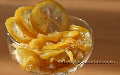 Цукаты из лимона присыпаем сахаром