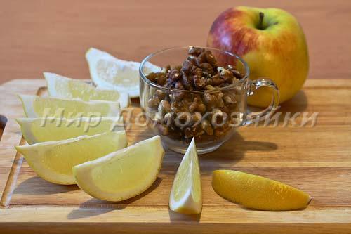 Ингредиенты для яблочно-орехового пирога без теста