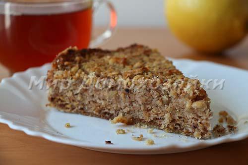 Яблочно- ореховый пирог в готовом виде