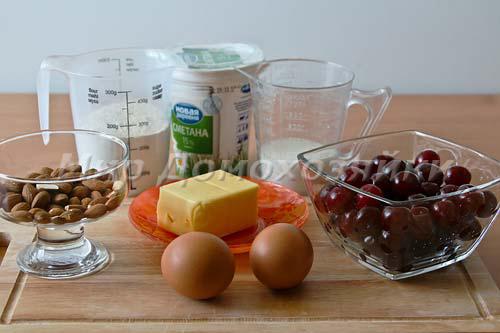 Ингредиенты для миндального пирога с вишней