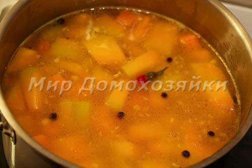 Отварить тыкву и морковь