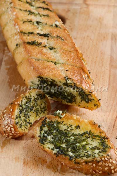 Чесночный хлеб из черствого багета ароматный и вкусный