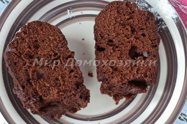 Шоколадный кекс в кружке - в разрезе