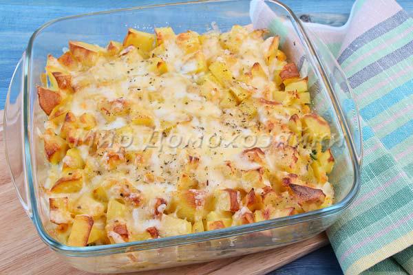 Картофельная запеканка с вареными яйцами и зеленым луком