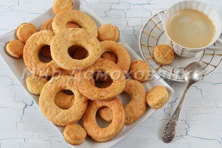 Простое творожное печенье - кольца