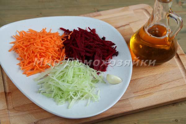 Салат со свеклой и дайконом