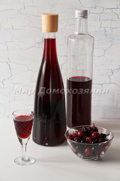 Настойка из крыжовника - разлить в бутылки