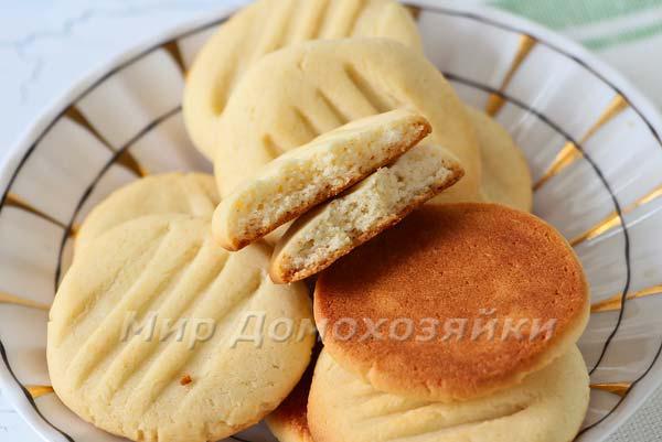 Печенье со сгущенкой в разломе