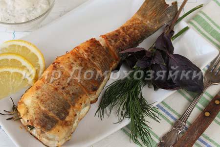 Сибас жареный на сковороде с розмарином